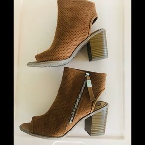 Circus by Sam Edelman Ankle Booties